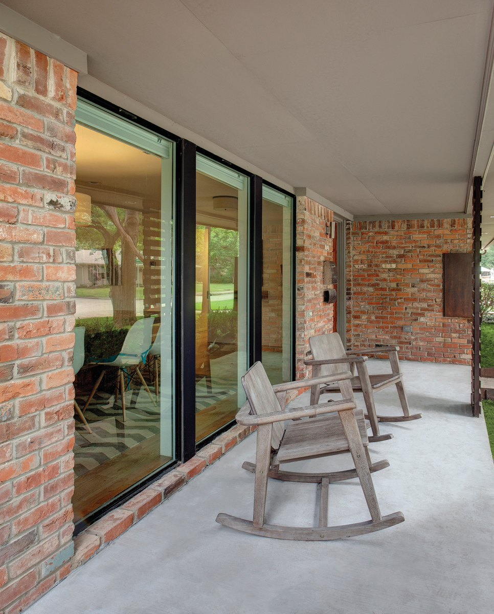 Porch with Patio doors