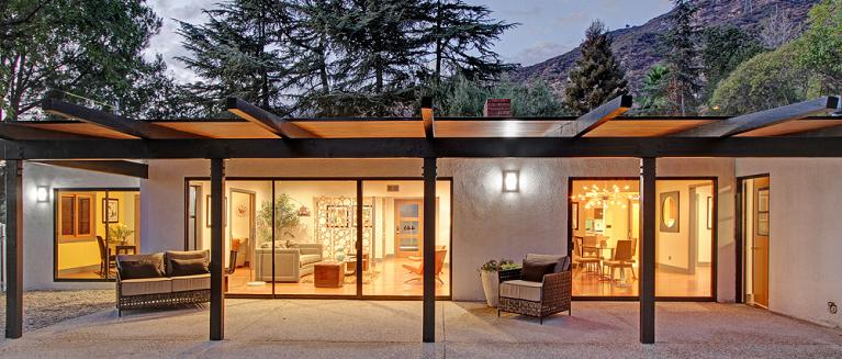 Mid Century Modern Homes Are Usually Described As U201csleek, Cool, Functional,  Colorful And Mod.u201d This Fixer Upper Was Anything But Thatu2026except Maybe  Colorful.