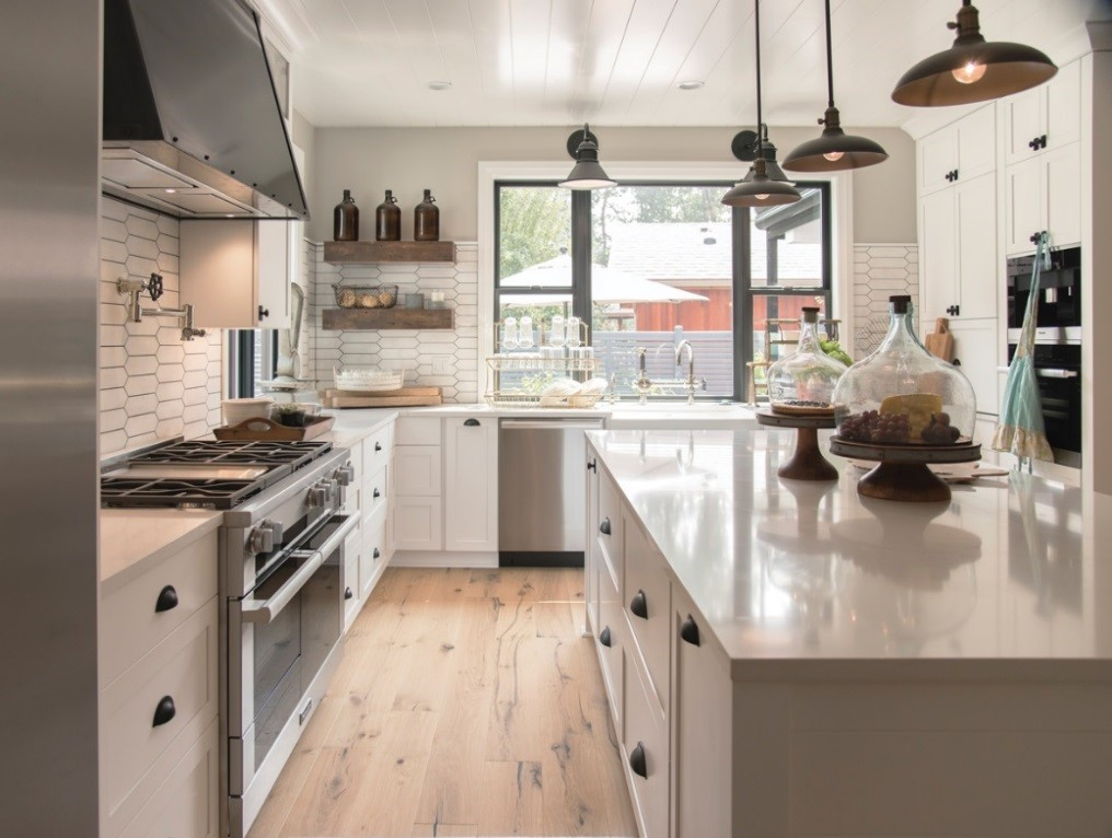 Creating a Modern Farmhouse Kitchen